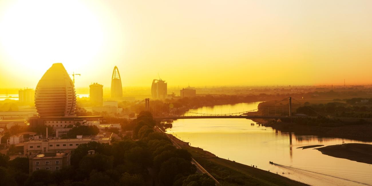 شارع النيل  فندق وشقق إيوا الخرطوم