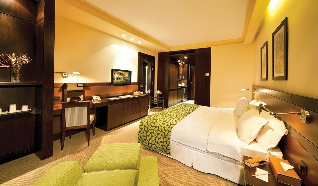 Deluxe Room image Coral Beirut Al Hamra Hotel