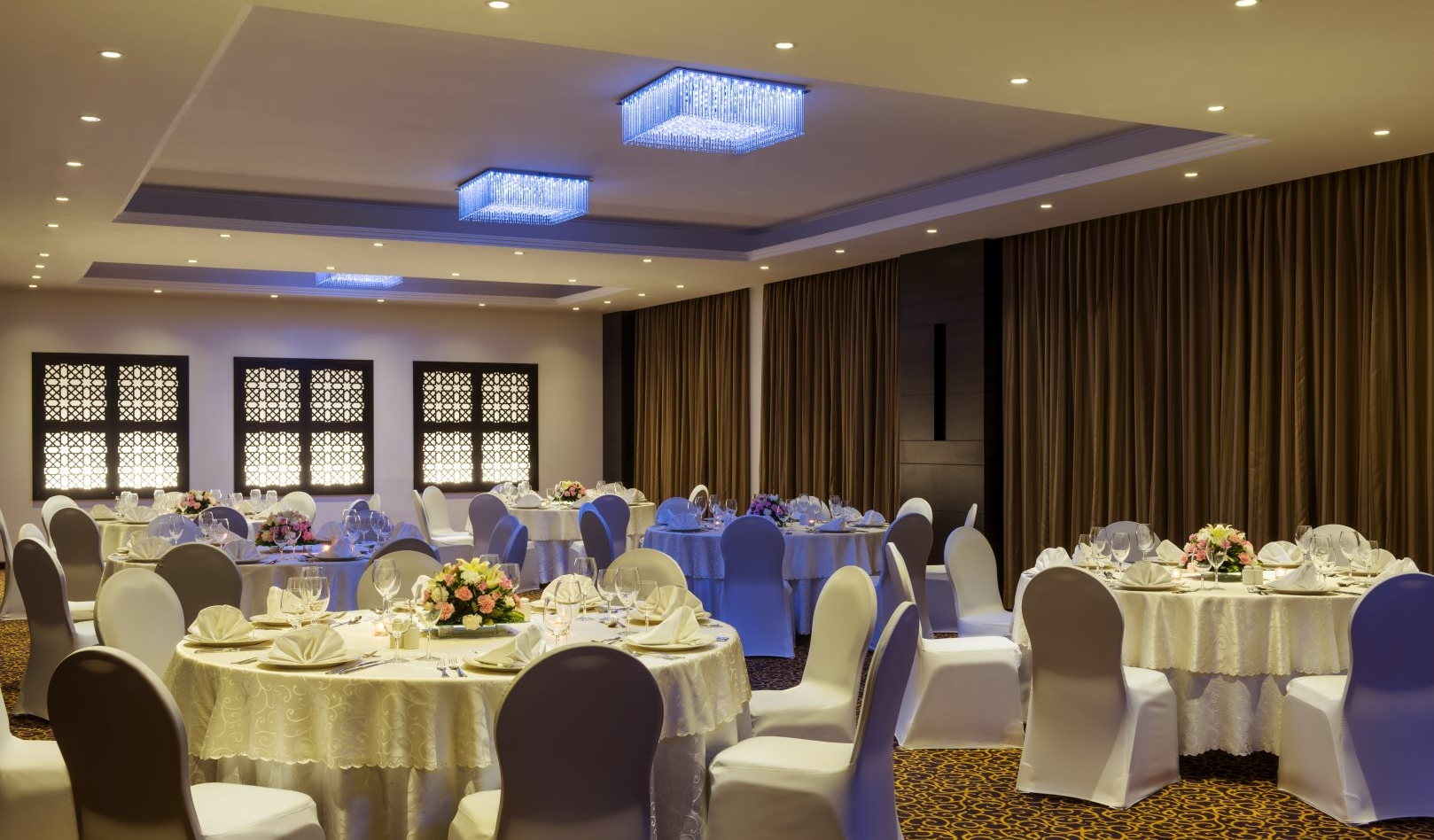 wedding tables Corp Amman