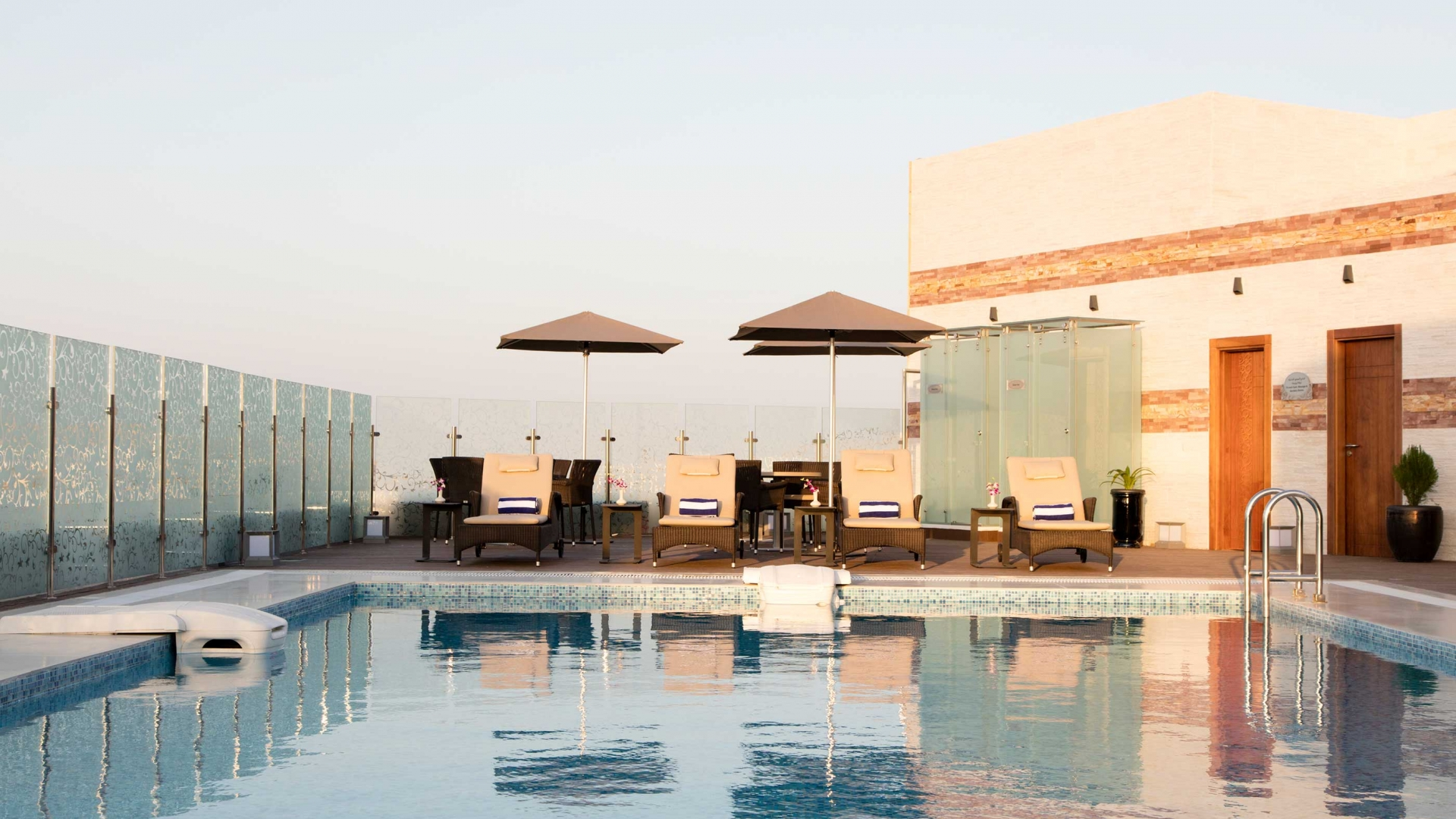 Coral Muscat Hotel & Apartments Pool