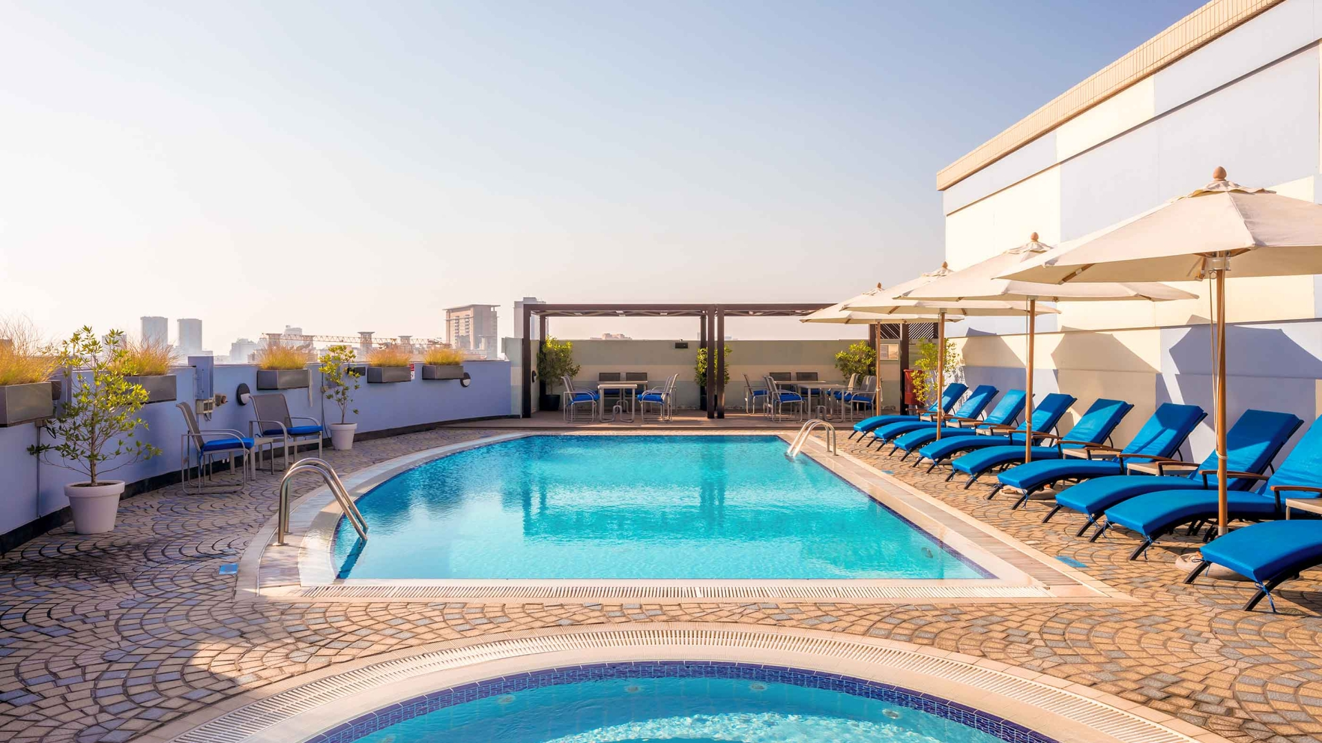 swimming pool Coral Dubai Deira