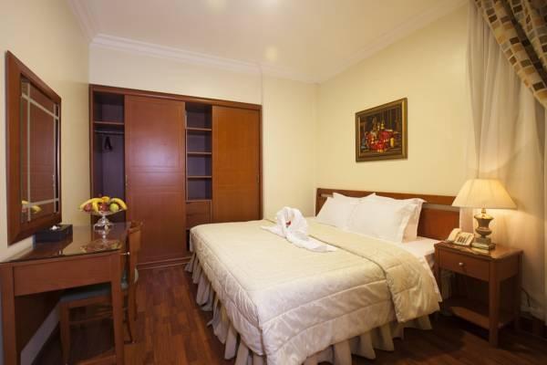 Coral Al Ahsa Junior Suite Bedroom