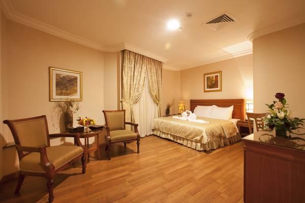 Coral Al Ahsa Executive Suite Bedroom