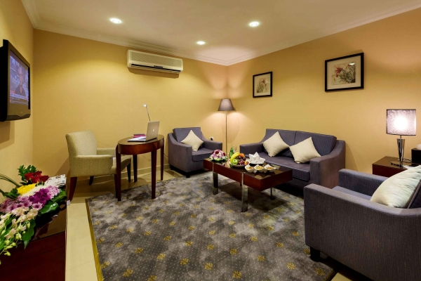 Coral Jubail Hotel Executive Suite Living Room