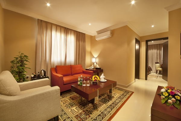 Coral Jubail Hotel Deluxe Room Living Room