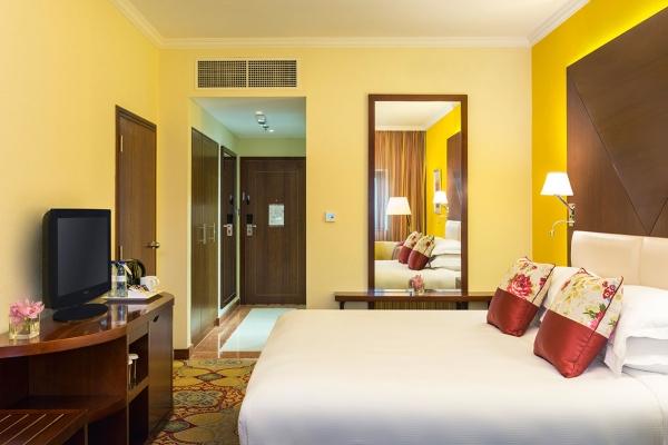 Coral Dubai Deira Hotel Family Room bed