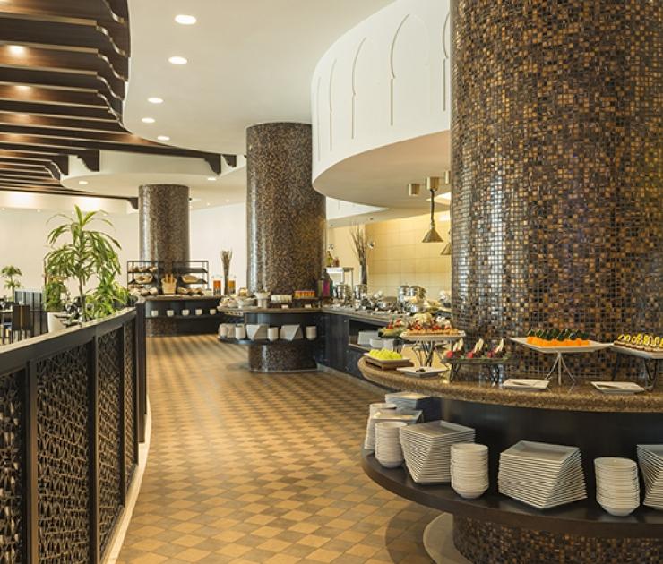 فندق باهي قصر عجمان مطعم طوال النهار