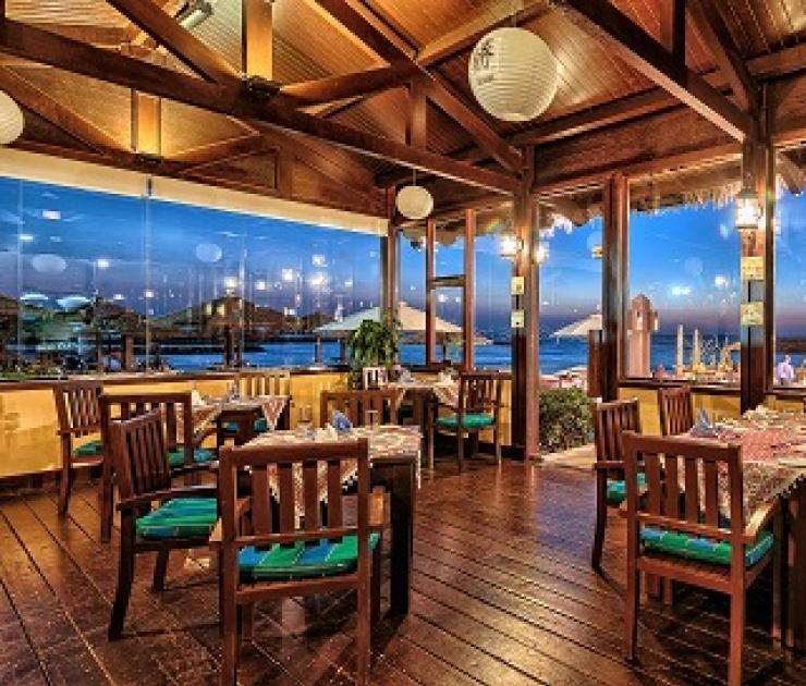 منتجع كورال بيتش الشارقة مطعم كازا سماك للمأكولات البحرية